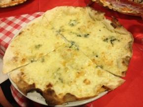 Pizze au feu de bois, croquantes mais pas trop ! #Taverna delleCoppelle